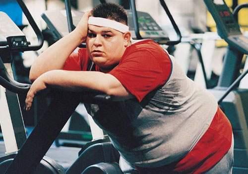 Занятия в тенажерном зале для снижения веса