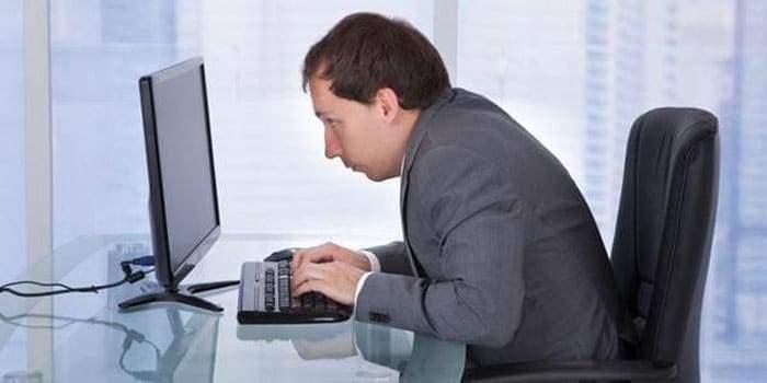 Напряженная работа за компьютером