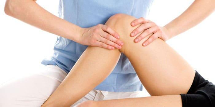 Проведение массажа для восстановления работоспособности сустава колена