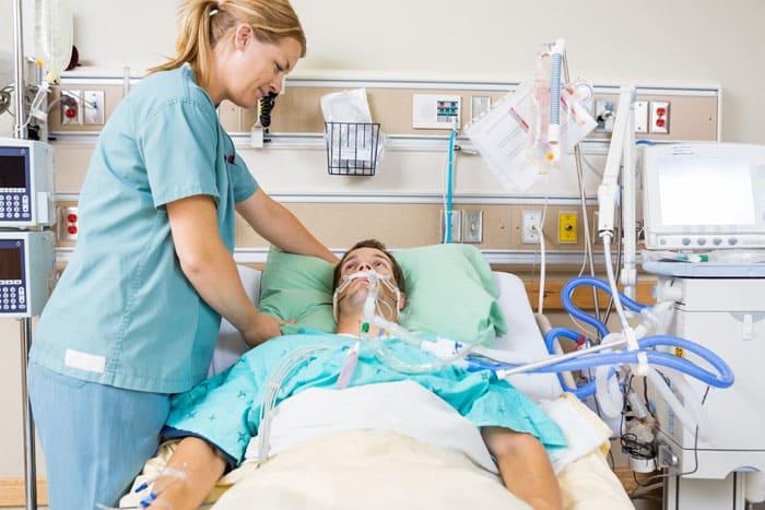 Наблюдение за больными в палате реанимации