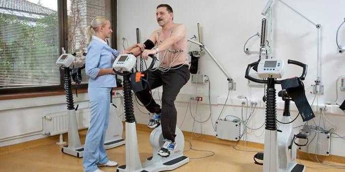 Реабилитация после перенесенного инфаркта миокарда с помощью контролируемых физических нагрузок